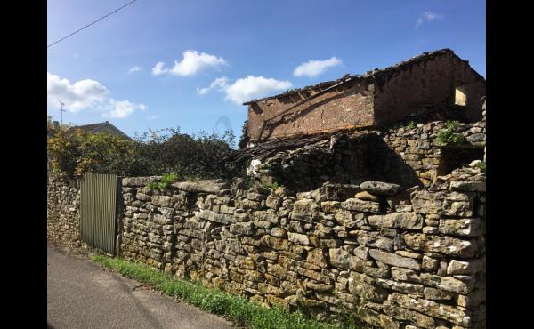 schist ruin for rebuilding