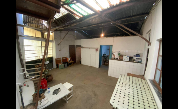 Large internal room for conversion